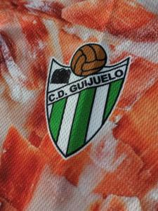 2015-16のCDギフエロのアウェイユニフォームチームエンブレム