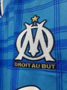 2010-11マルセイユのアウェイユニフォームチームロゴ