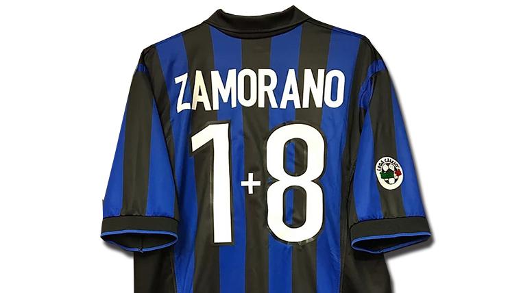 サモラーノの1998-99インテルホームユニフォーム