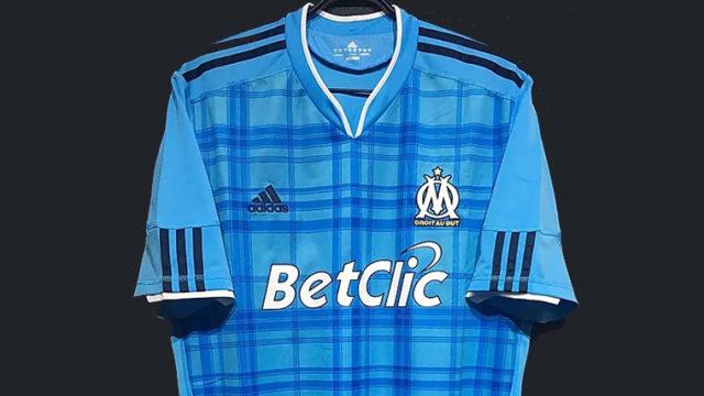 2010-11マルセイユのアウェイユニフォーム