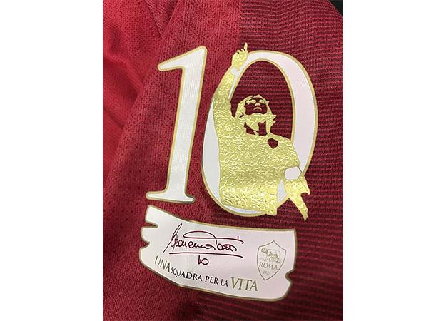 2017ローマのフランチェスコ・トッティ引退記念パッチ