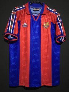 1996-97ロナウドのバルセロナのホームユニフォーム前面
