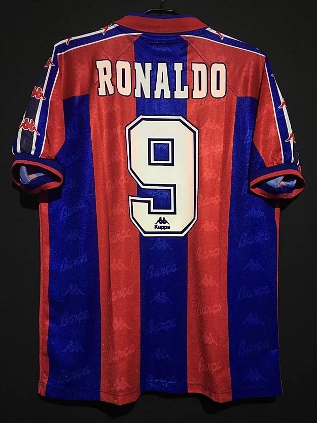 1996-97ロナウドのバルセロナのホームユニフォーム