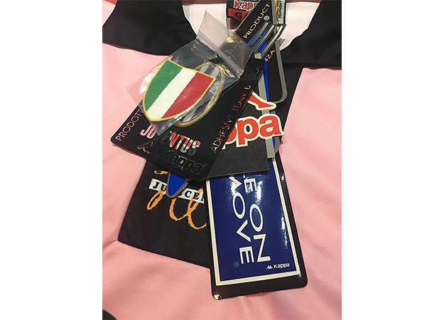1997-98ユベントス100周年記念ユニフォーム復刻版付属品