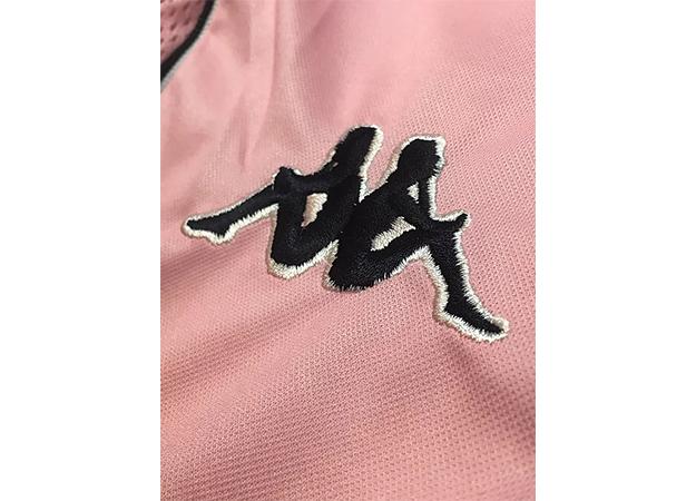 1997-98ユベントス100周年記念ユニフォームサプライヤーロゴ