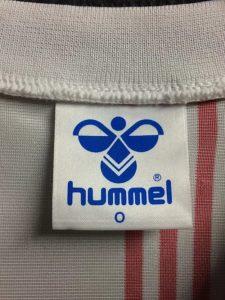 1986年デンマーク代表ユニフォームのヒュンメルタグ