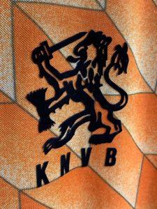 1988年オランダ代表ホームユニフォームのエンブレム