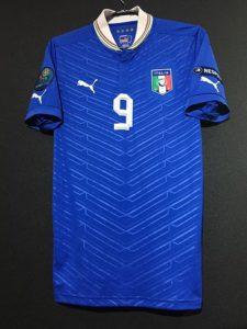 イタリア代表の2012年ホームユニフォーム