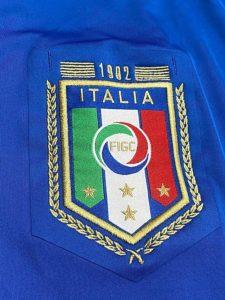 イタリア代表の1982年W杯優勝30周年記念ユニフォームのチームエンブレム