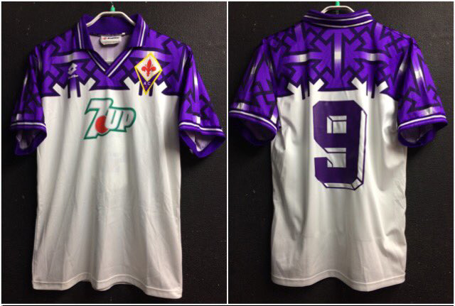 92-93フィオレンティーナのアウェイユニフォーム