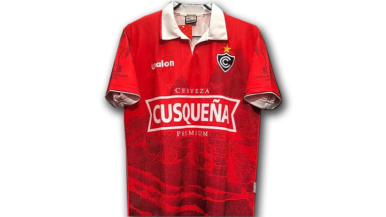 2004シエンシアーノのホームユニフォーム
