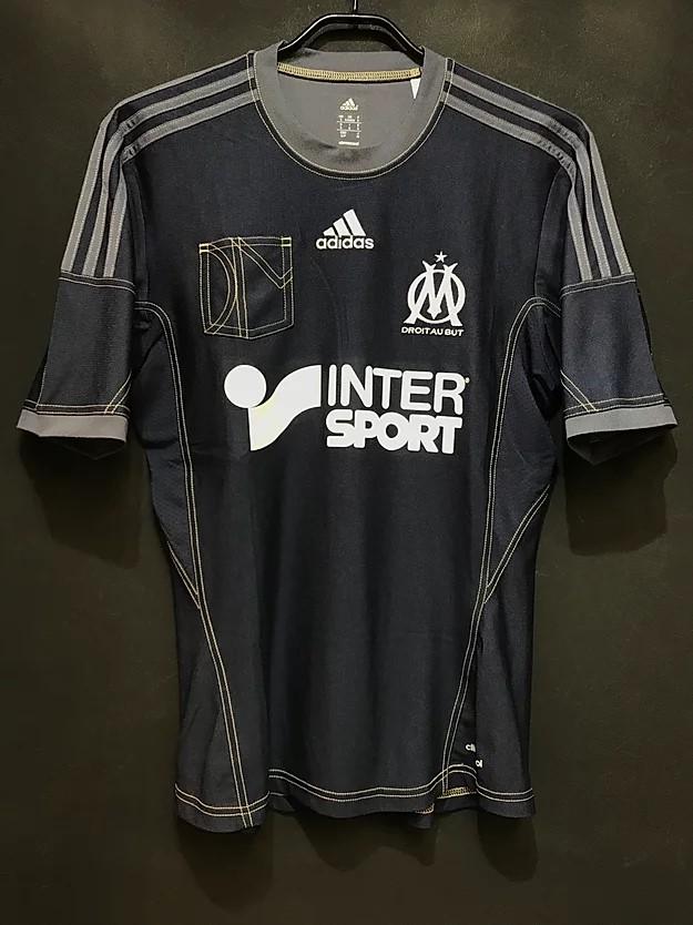 2013-14シーズンのマルセイユのアウェイモデル