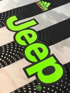 2019-20ユベントスPALACEユニフォームのJeepロゴ