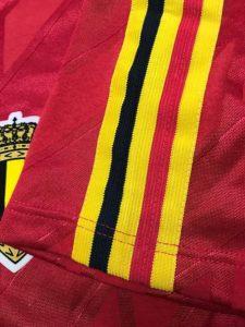 ベルギー代表1986-89ホームユニフォームの袖のデザイン