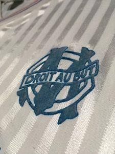 オリンピック・マルセイユ1990-91ホームユニフォームのチームエンブレム