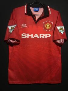 1994-95マンチェスター・ユナイテッドのホームユニフォーム