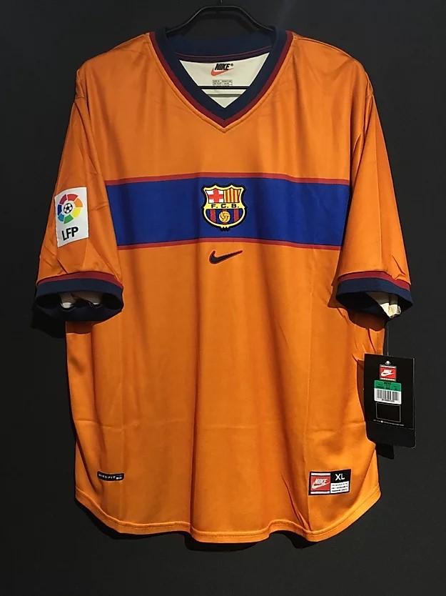バルセロナのシャビの1998-99アウェイユニフォーム