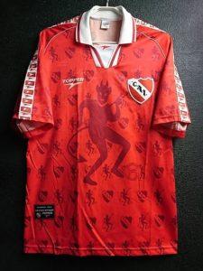1998-99インデペンディエンテのホームユニフォーム