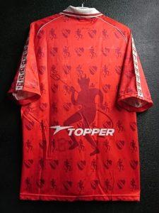 1998-99インデペンディエンテのホームユニフォームの背面