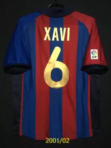 2001-02シャビのバルセロナのホームユニフォーム