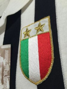 ミシェル・プラティニのユベントス1984-85復刻ユニフォームのステラ