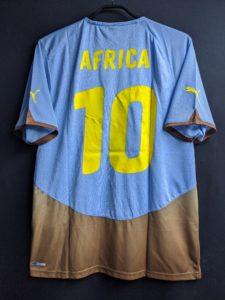 2010年アフリカ大陸共通ユニフォームの背面
