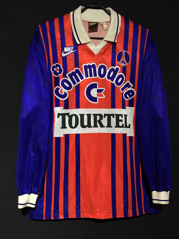 1993-94パリ・サンジェルマンのホームユニフォーム