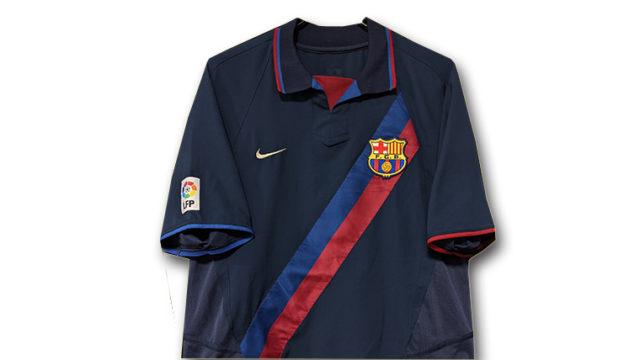2002-03バルセロナアウェイユニフォーム