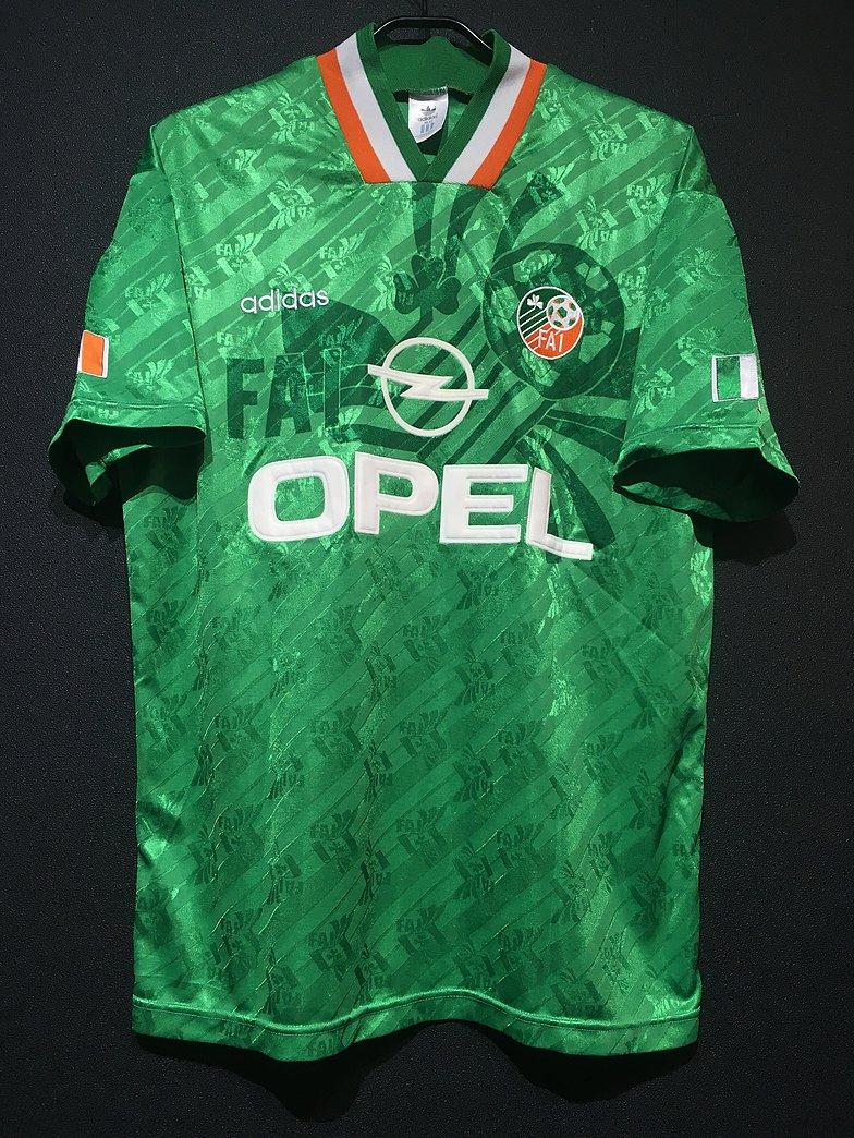 1994-95アイルランド代表のユニフォーム